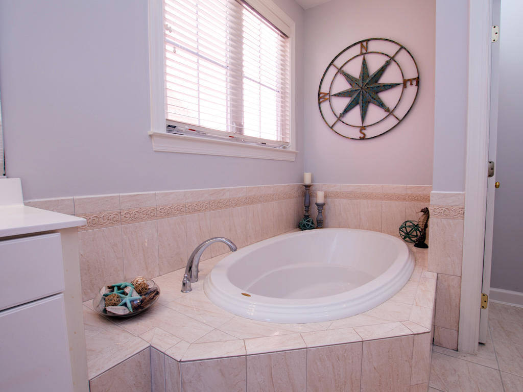 Sunset Island, 6 Shore Point Drive - Master Bathroom
