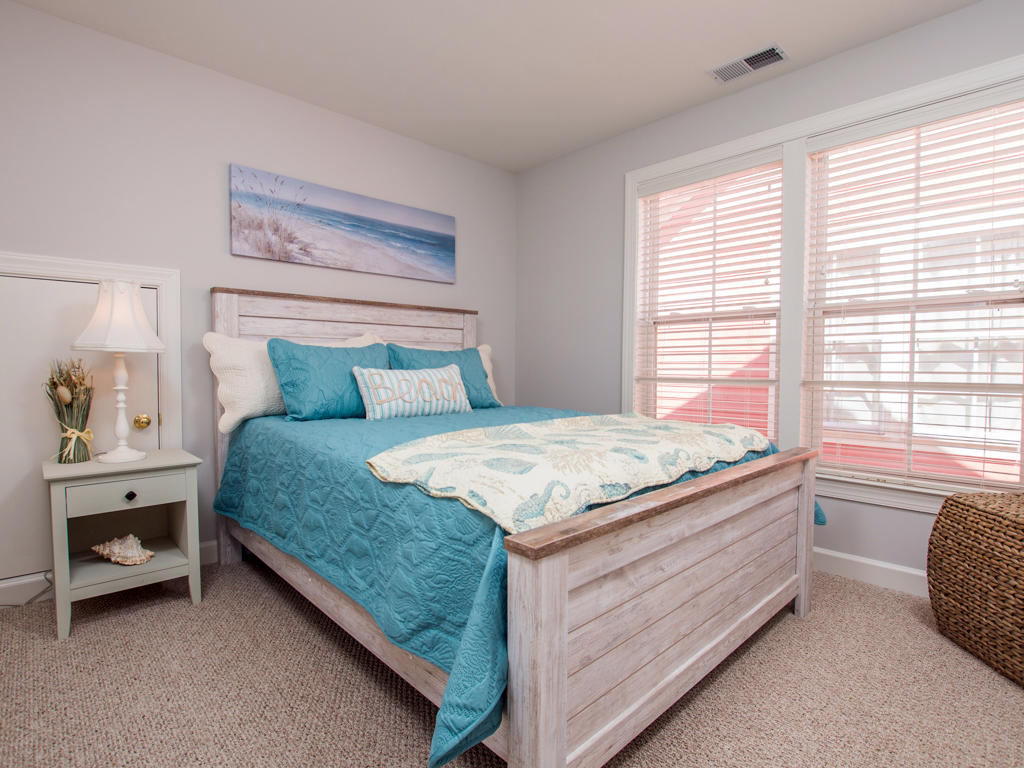 Sunset Island, 6 Shore Point Drive - Top Level Bedroom