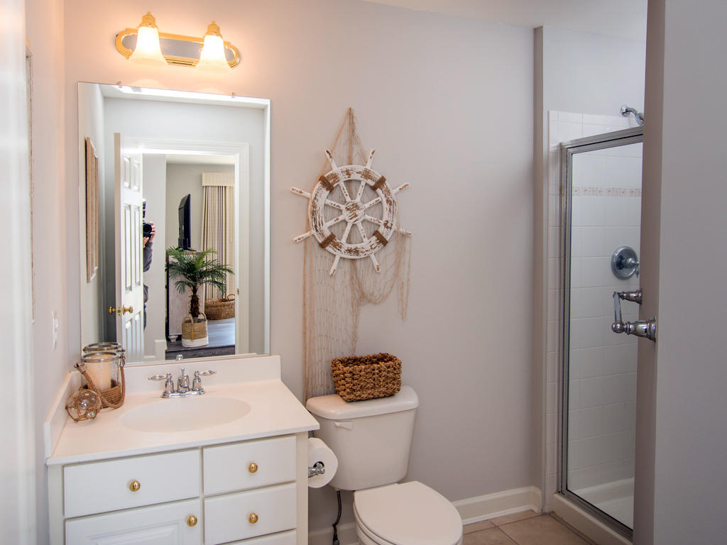 Sunset Island, 6 Shore Point Drive - Top Level Bathroom