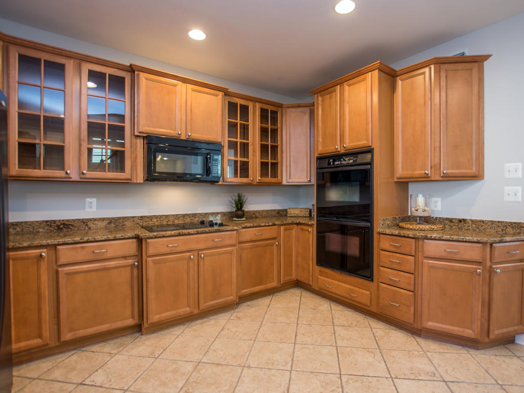 Sunset Island, 6 Shore Point Drive - Kitchen Area