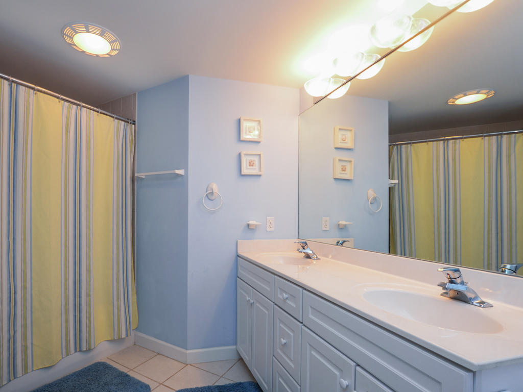 Island Cabana, 303 - Master Bedroom