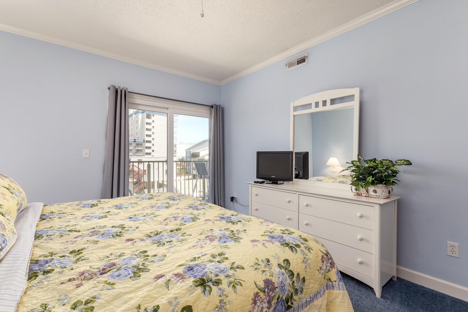 Island Cabana 303 - Master Bedroom