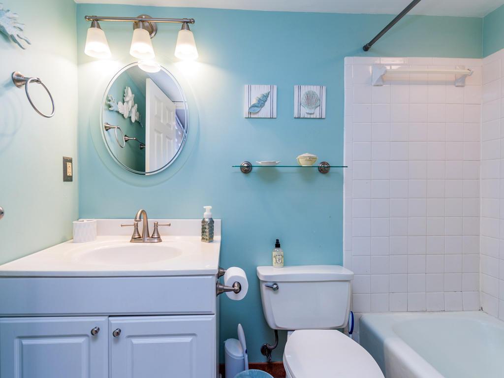 Irene, 301 - Second Bathroom