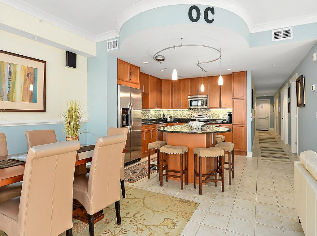 Gateway Grand 704 - Kitchen