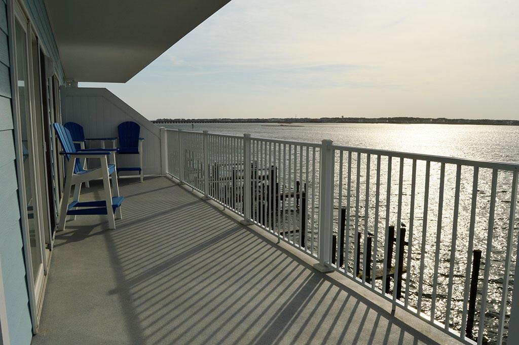 Harbour Island View 203 - Balcony