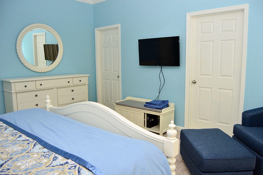 Harbour Island View 203 - Master Bedroom
