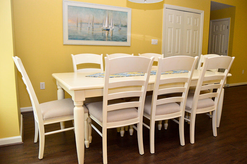 Harbour Island View 203 - Dining Area