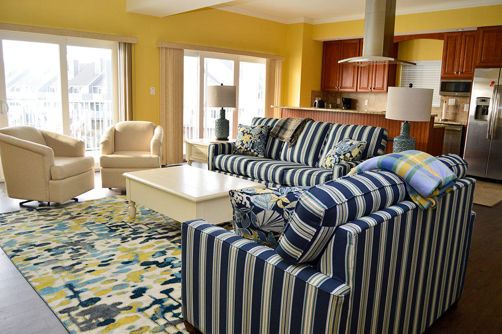 Harbour Island View 203 - Living Room
