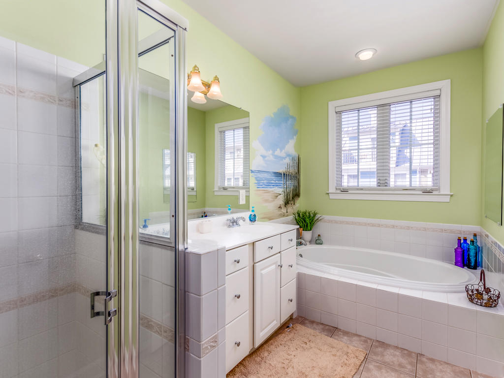 44 Island Edge Drive - Master Bathroom