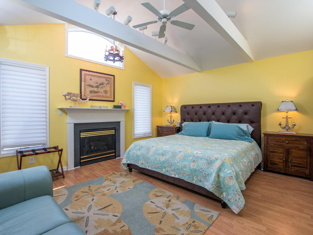 Anchor House - Master Bedroom