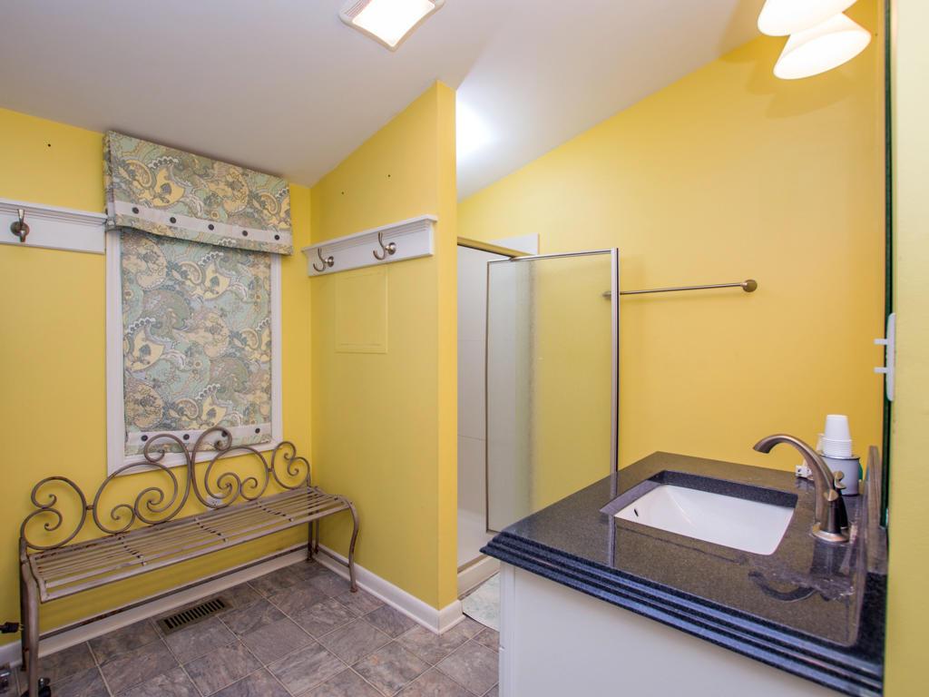 Anchor House - Master Bathroom