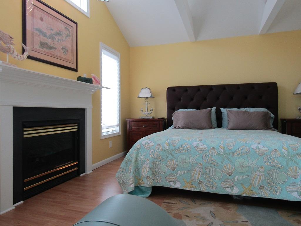Front king bedroom