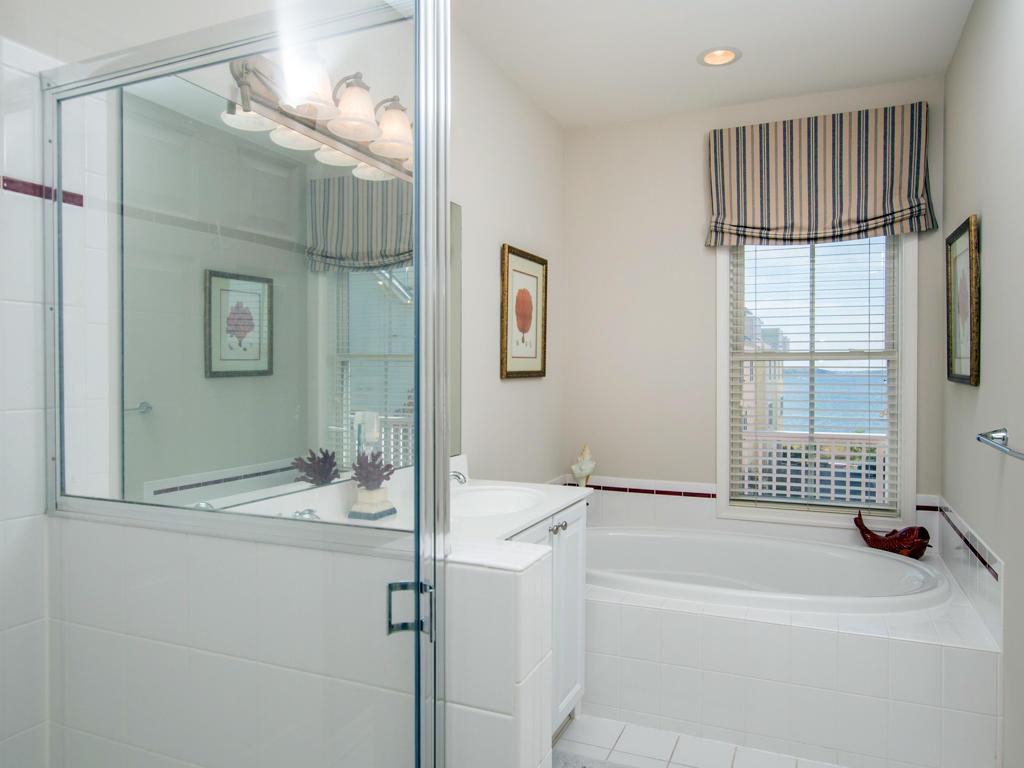 Sunset Island, 20 Beach Side Drive - Master Bathroom