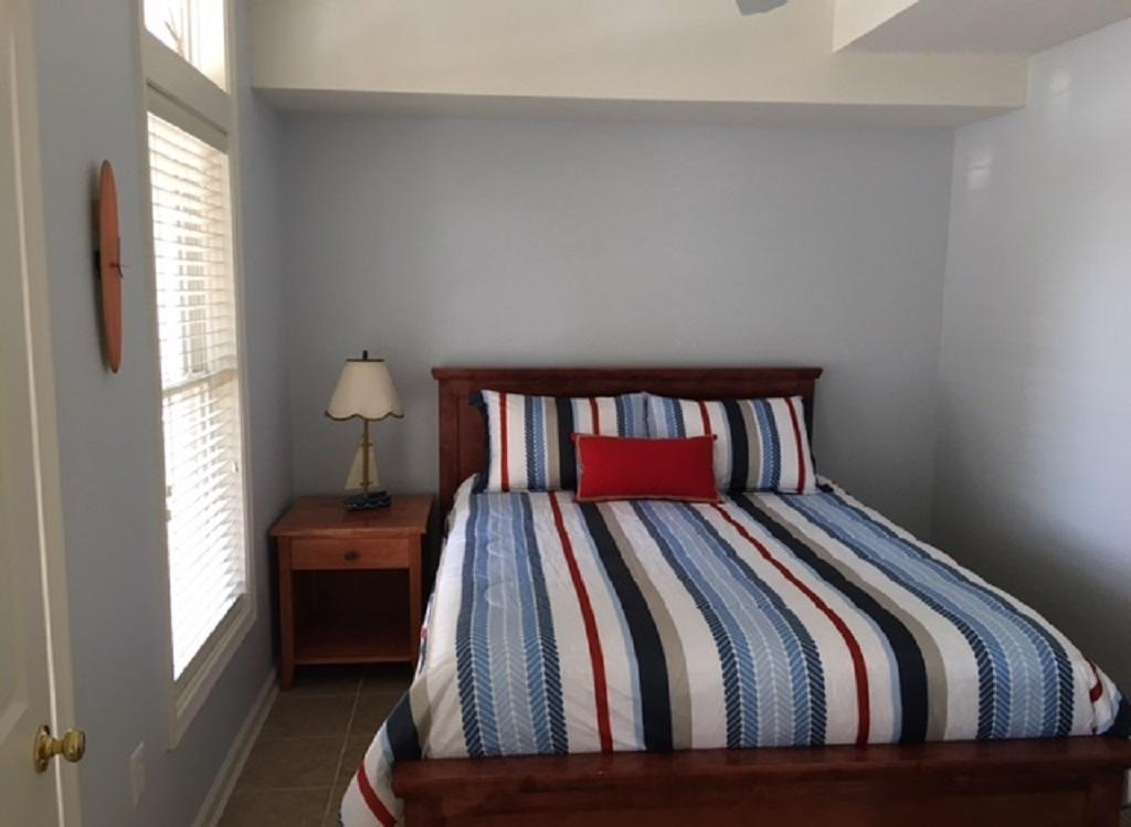Sunset Island 20 Beach Side Dr  Downstairs Queen Bed
