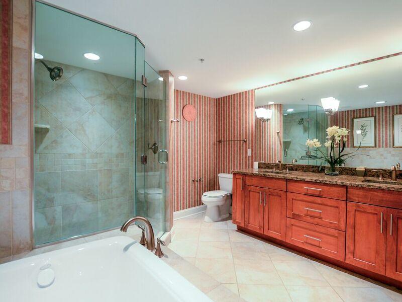 Meridian, 704 - Master Bathroom