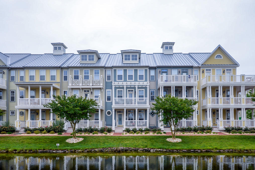 Sunset Island, 5 Canal Side Mews East - Exterior