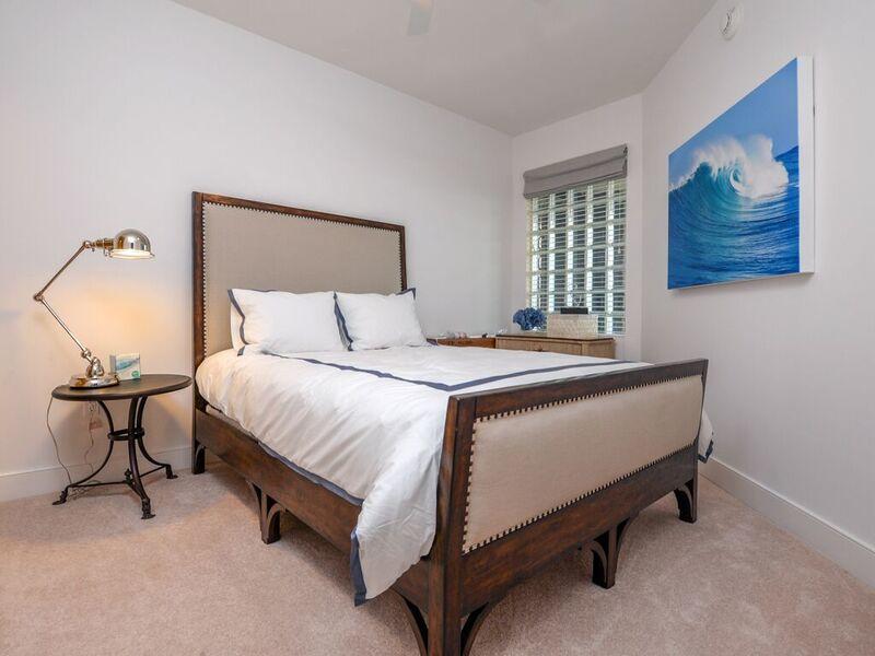 Gateway Grand, 912 - Second Bedroom