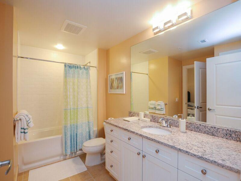 Gateway Grand, 912 - Third Bathroom