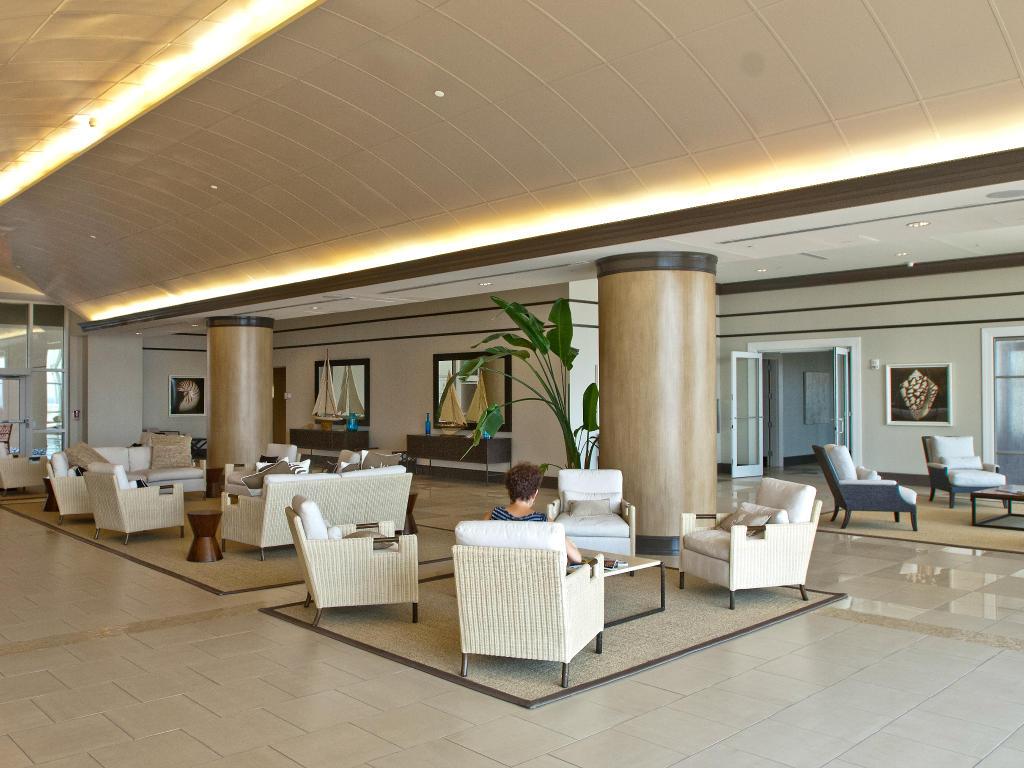 Gateway Grand -Lobby