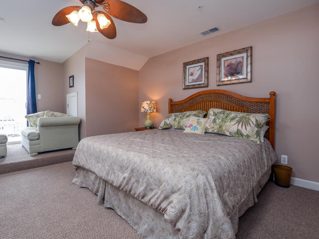Sunset Island, 50 Island Edge Drive - Top Floor Bedroom