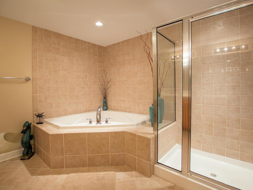 Bahia Vista, I 104 - Master Bathroom