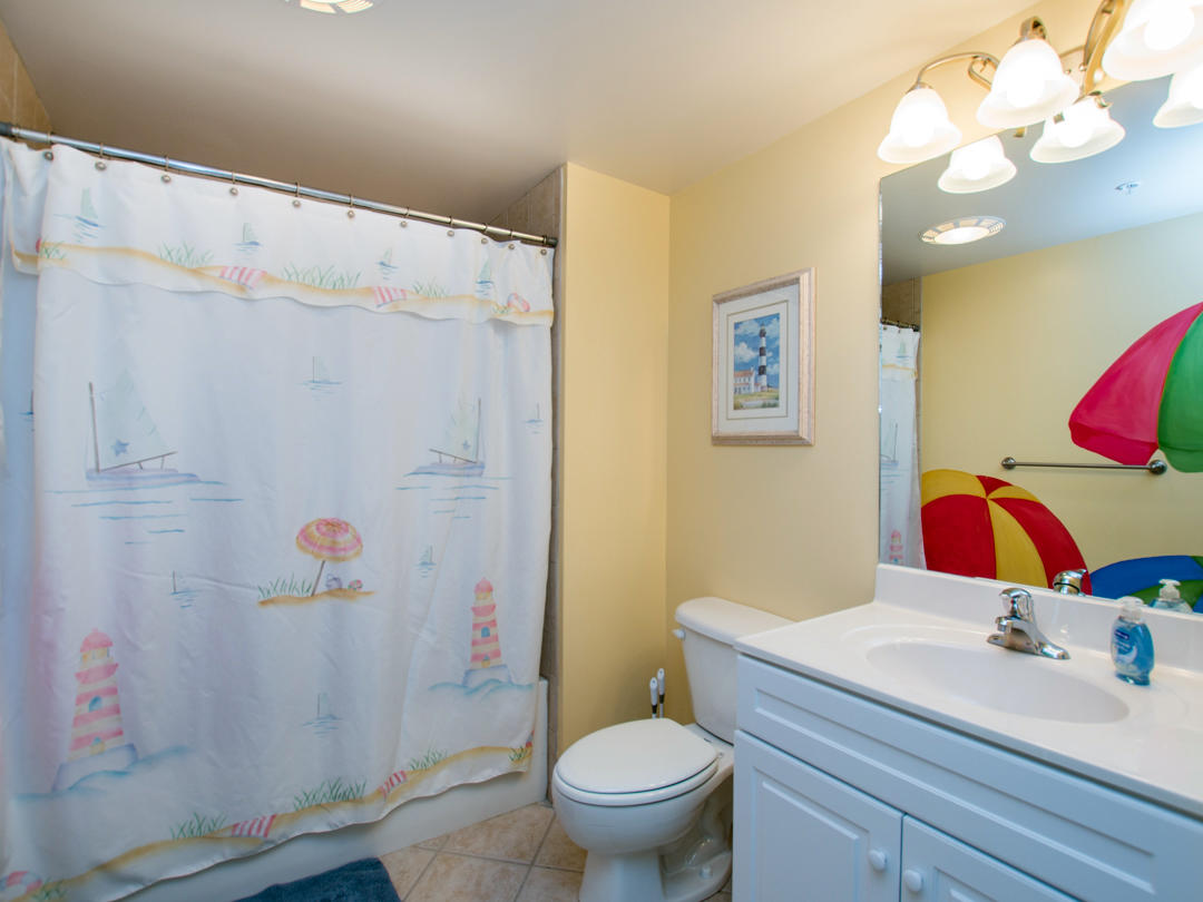Oceans Pointe, 101 -Second Bathroom