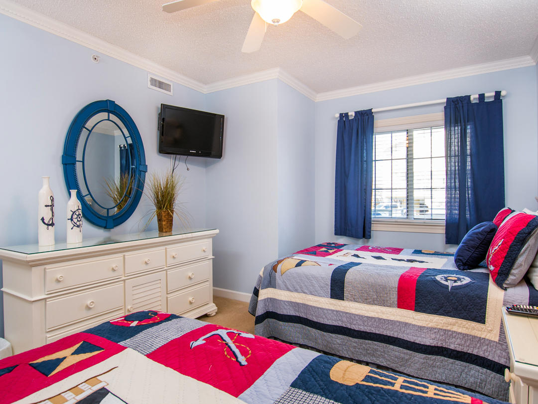 Oceans Pointe, 101 - Third Bedroom