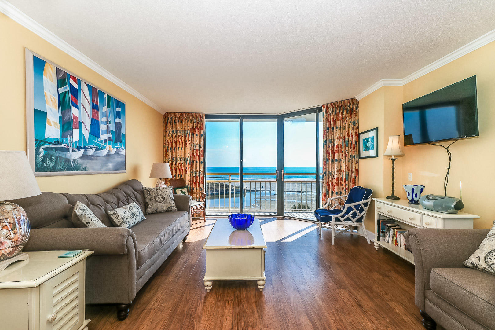 Ocean Creek JJ4 - Living Room and Ocean View