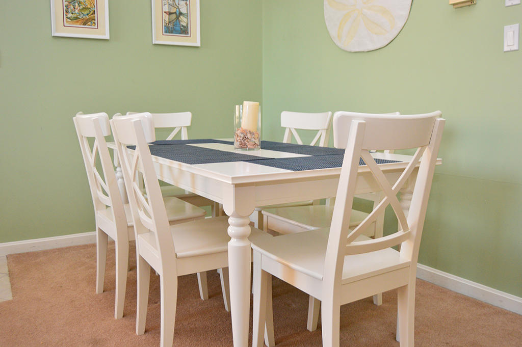 Harbour Towne 304E - Dining Area