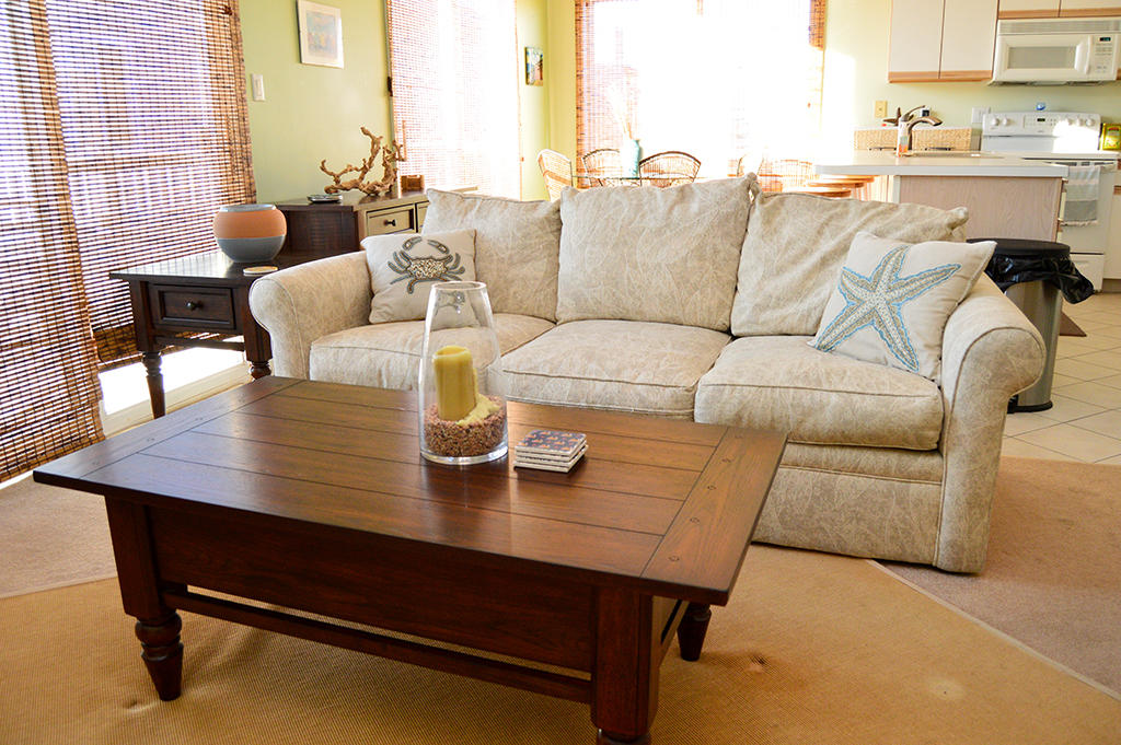 Harbour Towne 304E - Living Room