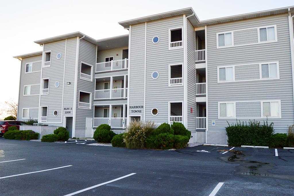 Harbour Towne 304E - Exterior