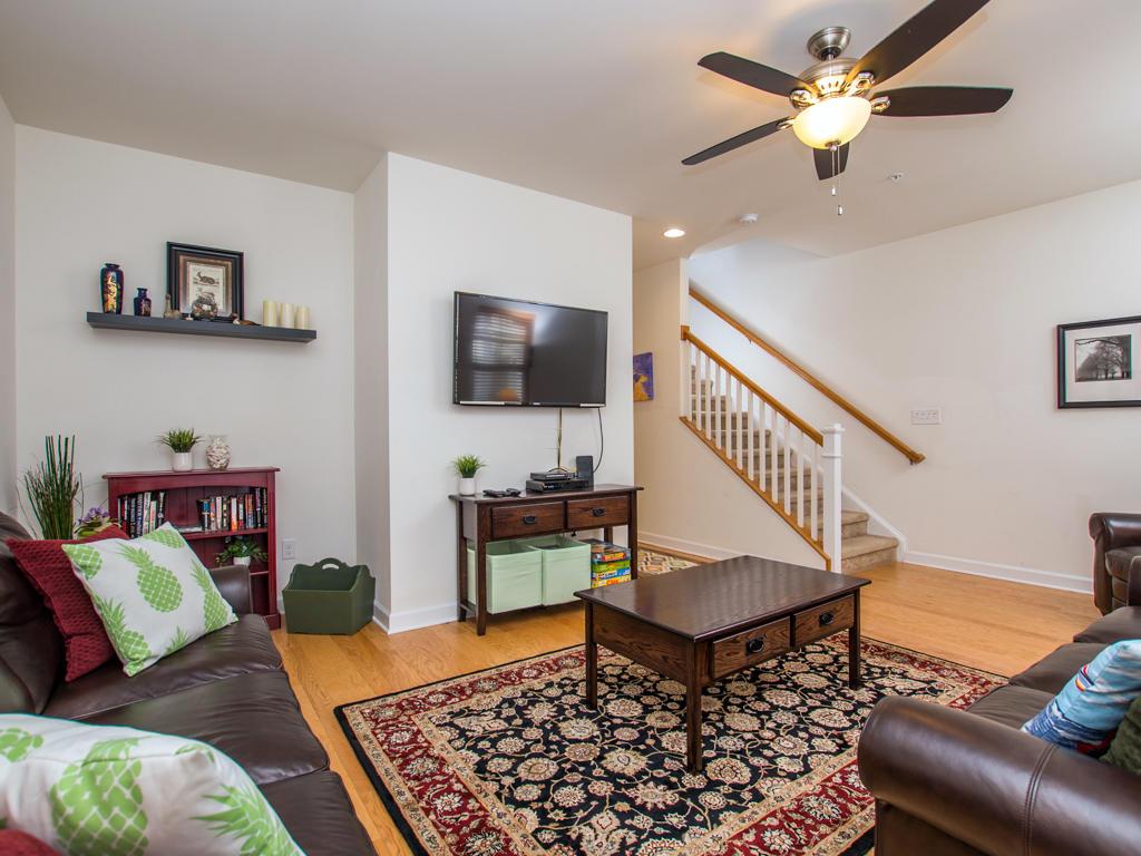 Broad Marsh 108C - Living Room