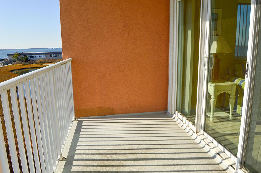 Makai 201- Balcony