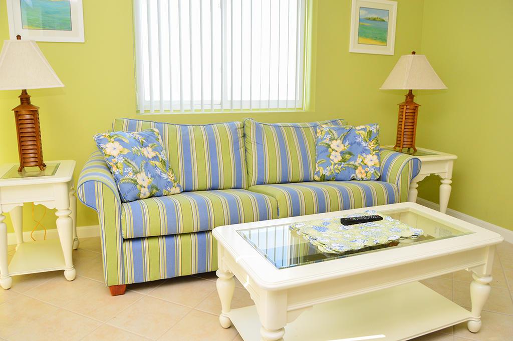 Makai 201- Living Room