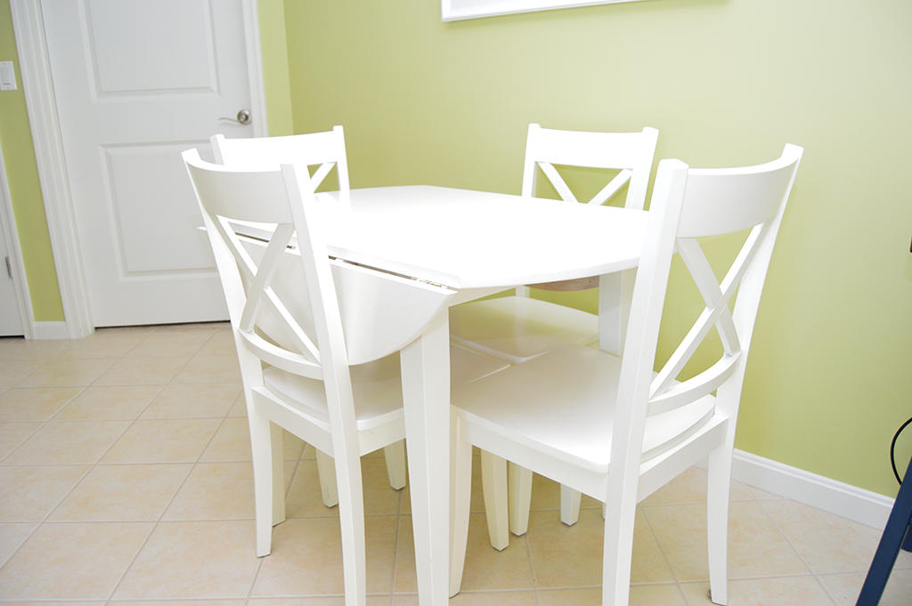 Makai 201- Dining Area