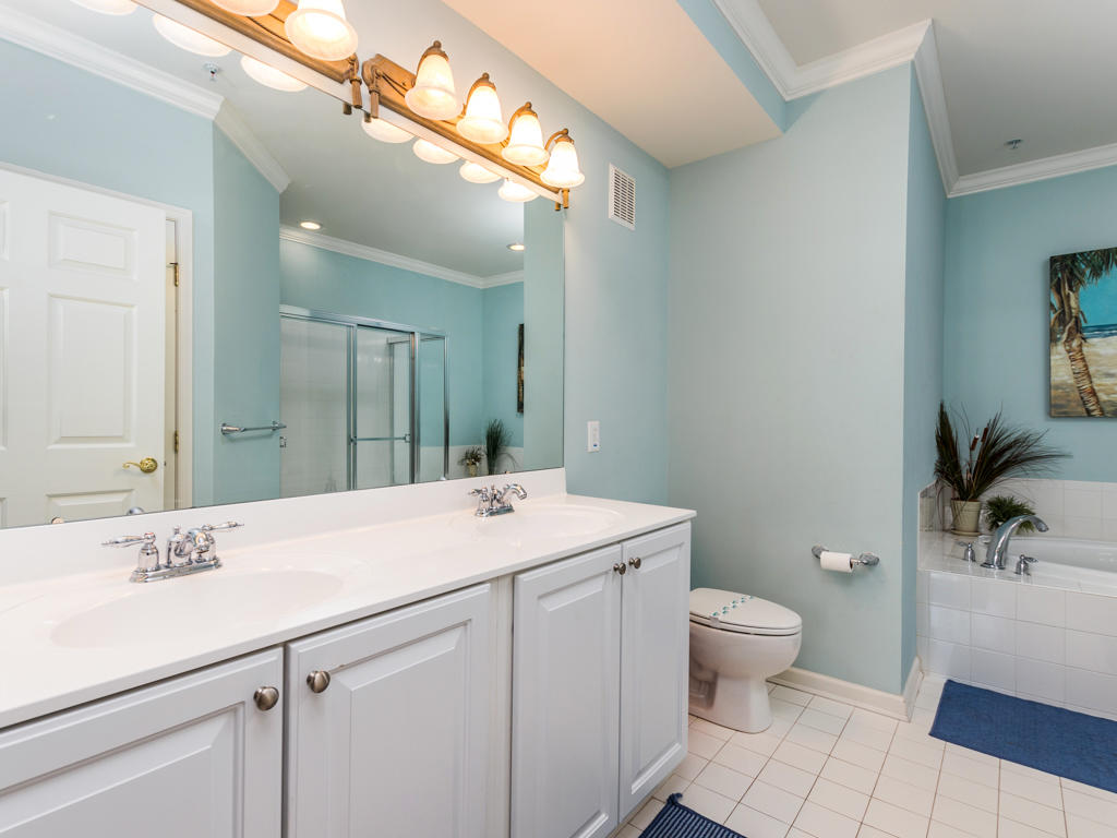 Sunset Island, 37 Fountain Drive West, Unit 2B - Master Bathroom