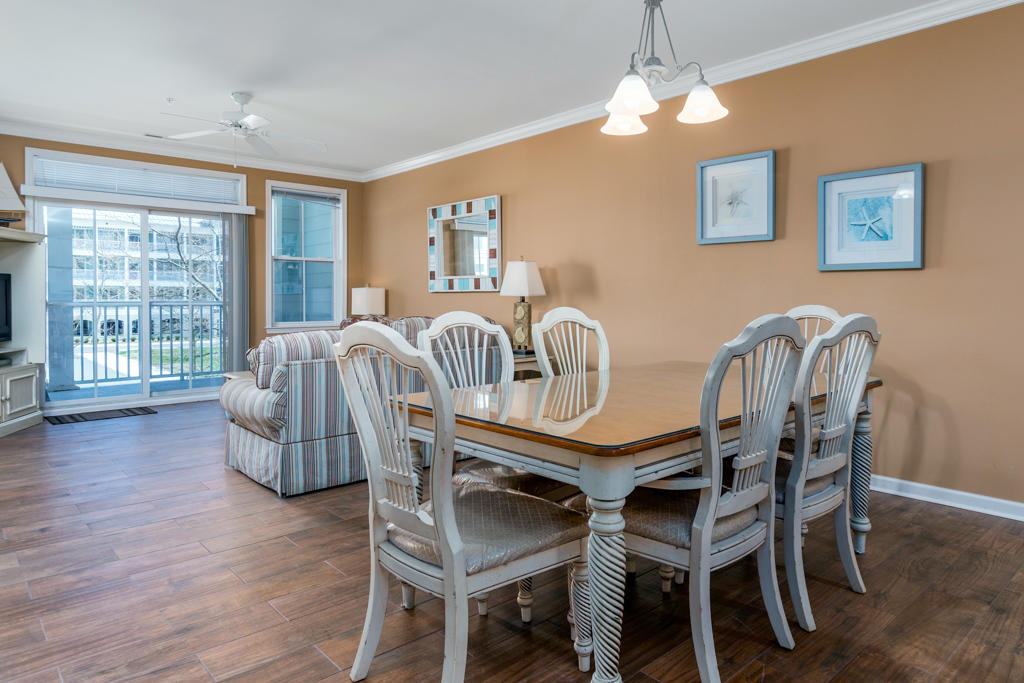 Sunset Island, 37 Fountain Drive West, unit 2B - Dining Area