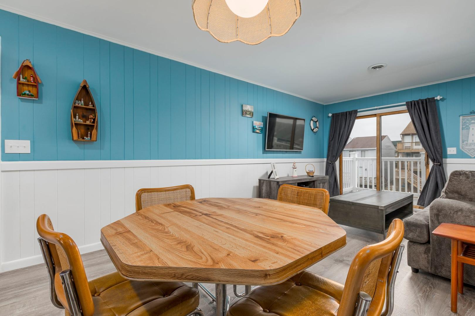 Sea Robin 211 - Dining Area