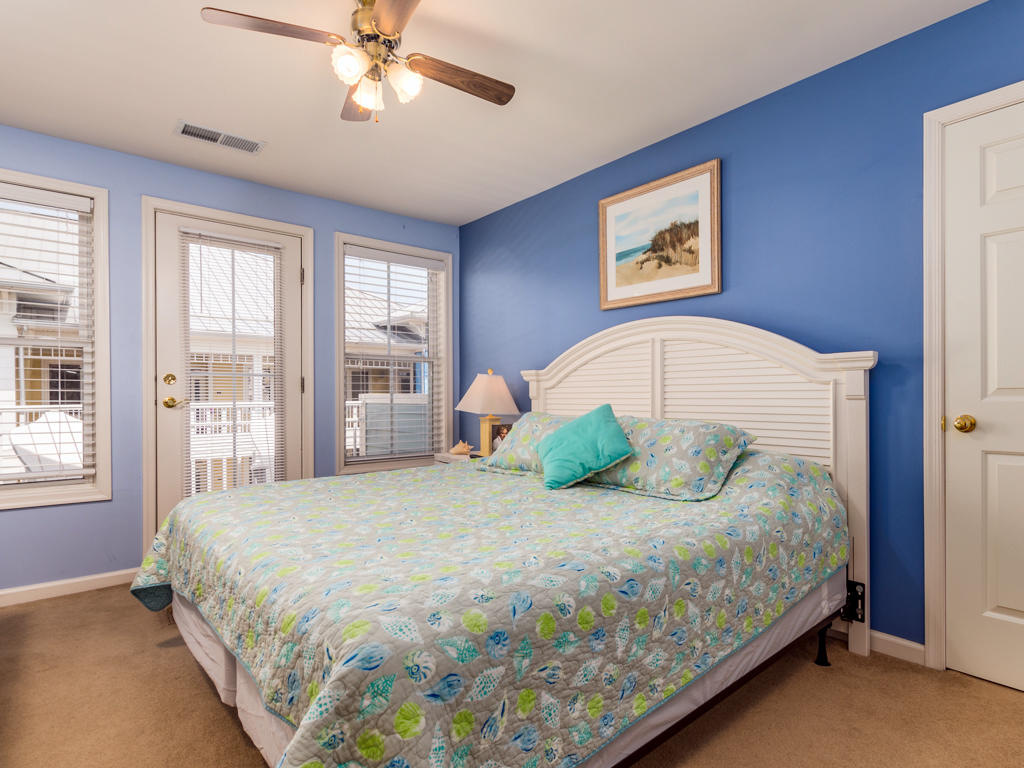 Sunset Island, 22 Island Edge Drive - Top Floor Bedroom