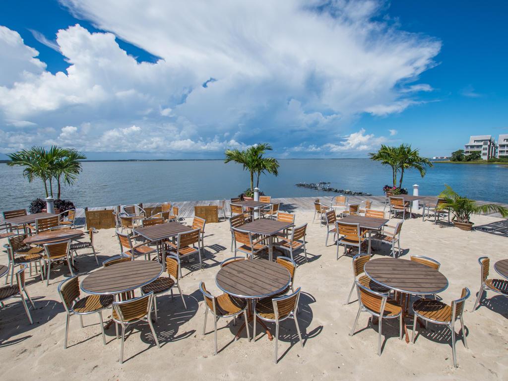 Sunset Island - In house Restaurant