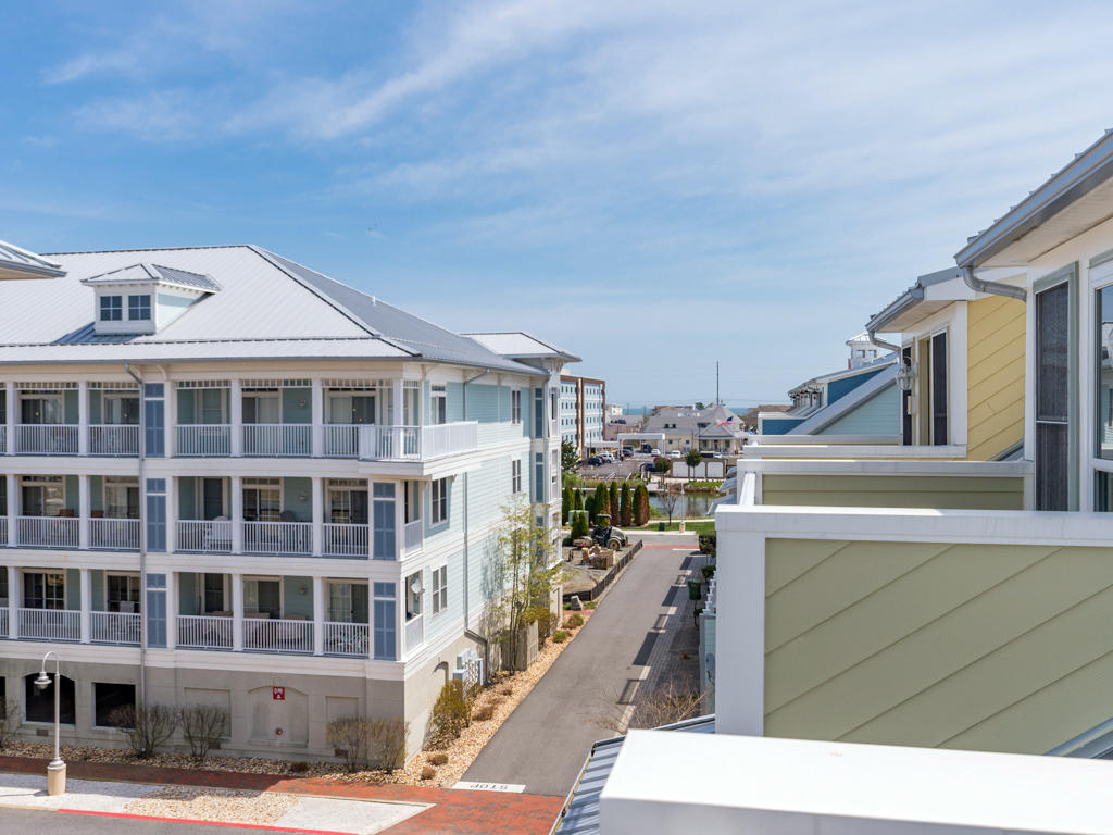 Sunset Island, 22 Island Edge Drive - Top Floor Balcony