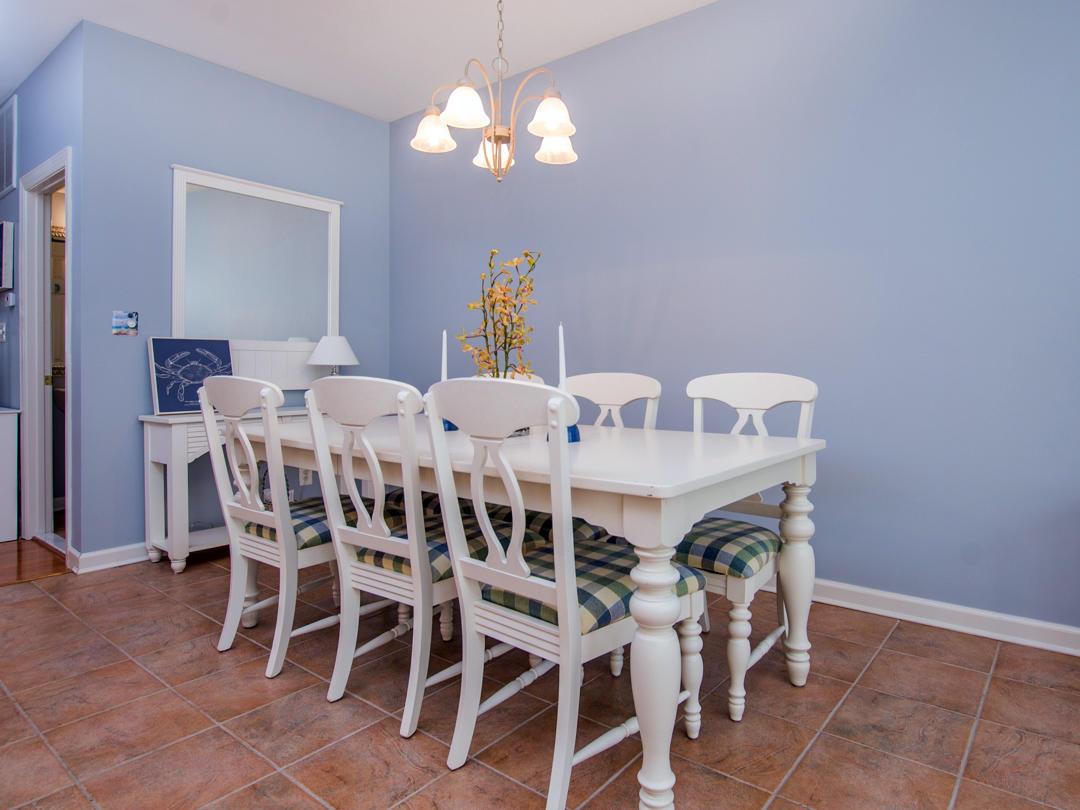 Sunset Island, 21 Sunset Island Drive - Dining Area