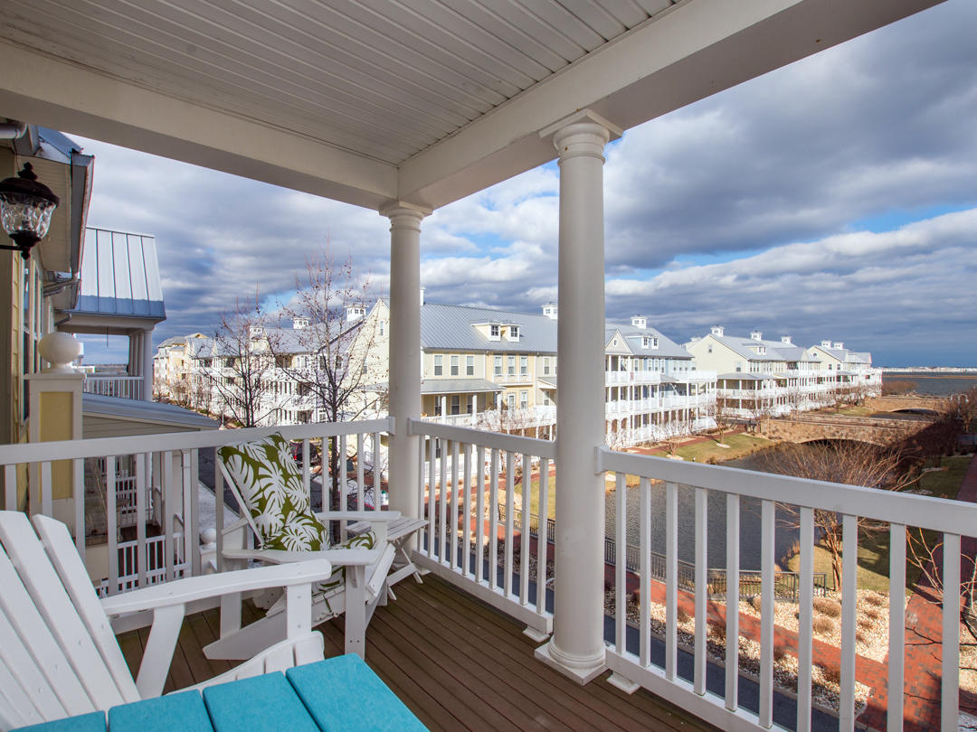 - Sunset Island, 21 Sunset Island Drive - Balcony