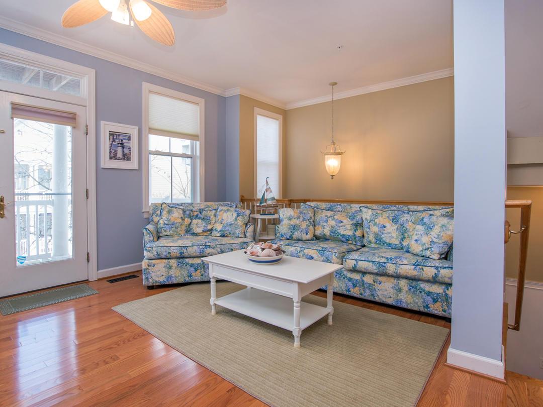Sunset Island, 21 Sunset Island Drive - Living Room