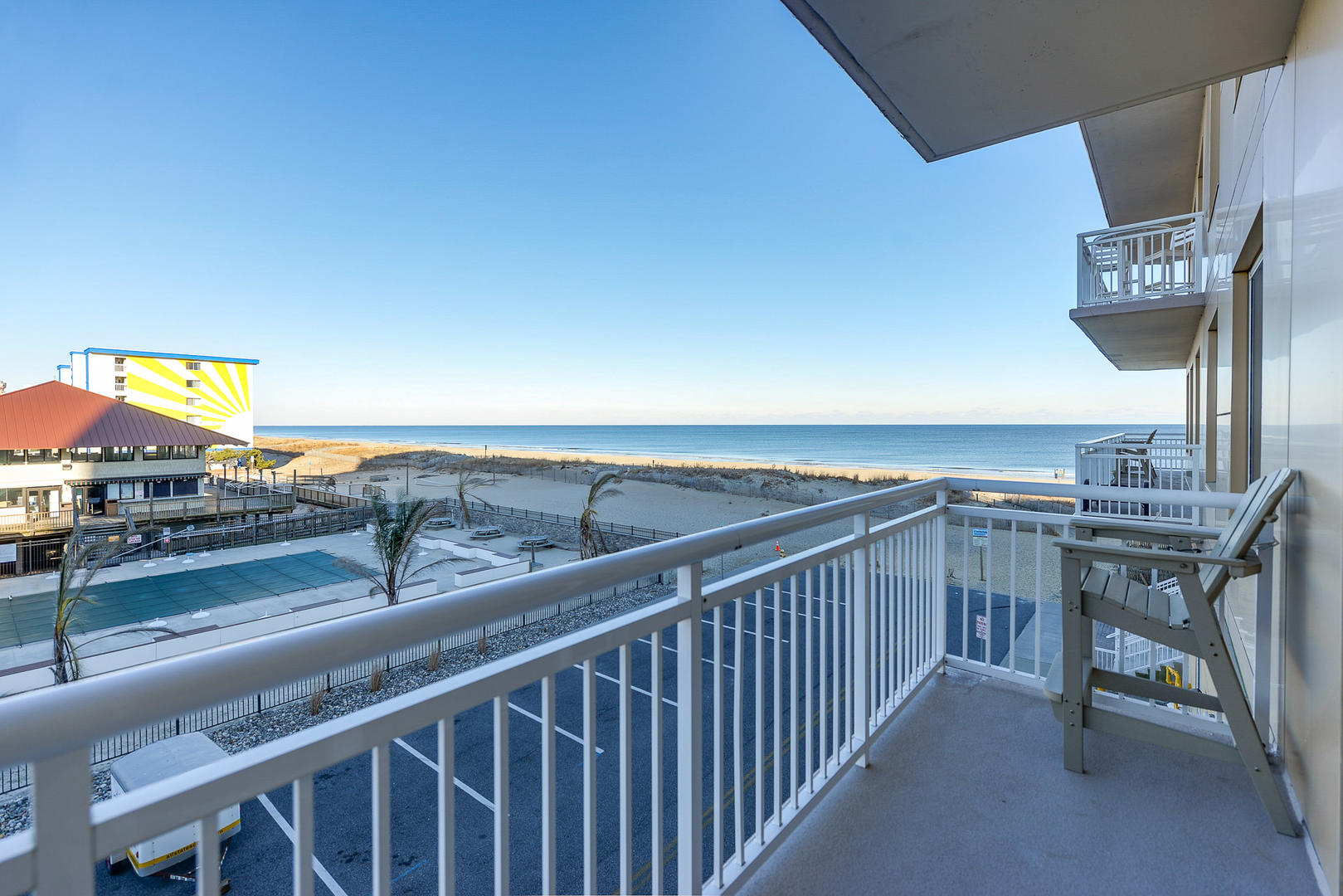 Gateway Grand 213 - Side Balcony with Ocean and Bay View