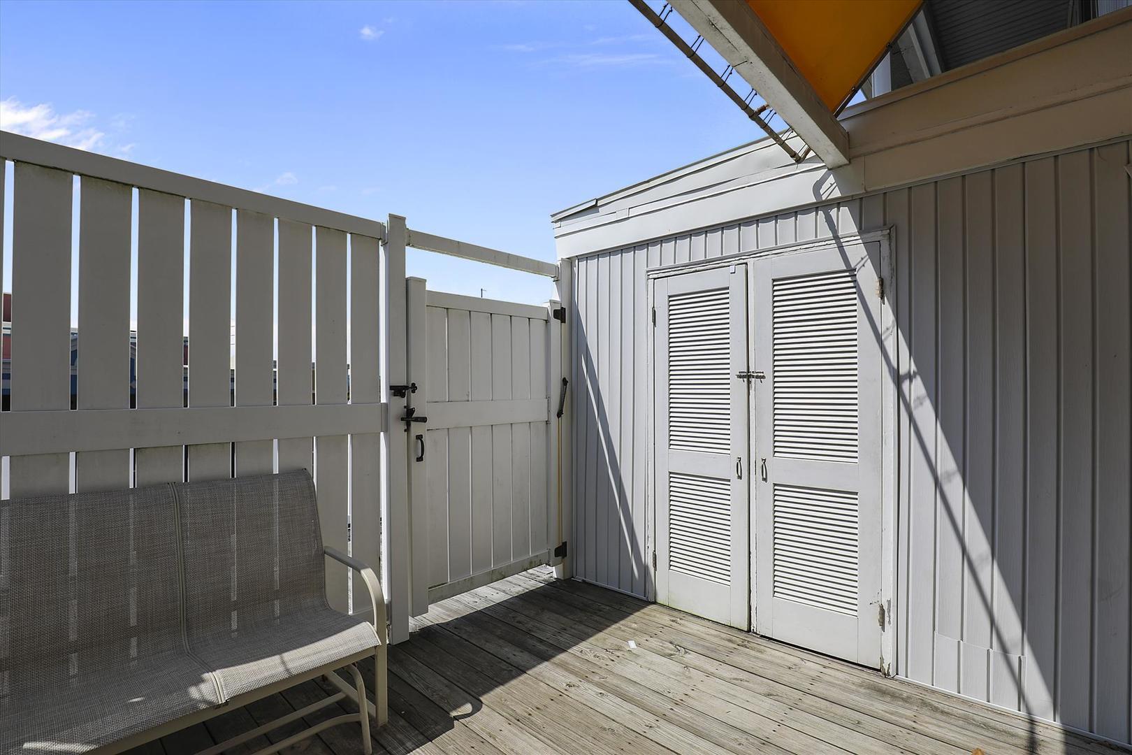 Beachwalk 23 - Deck Area