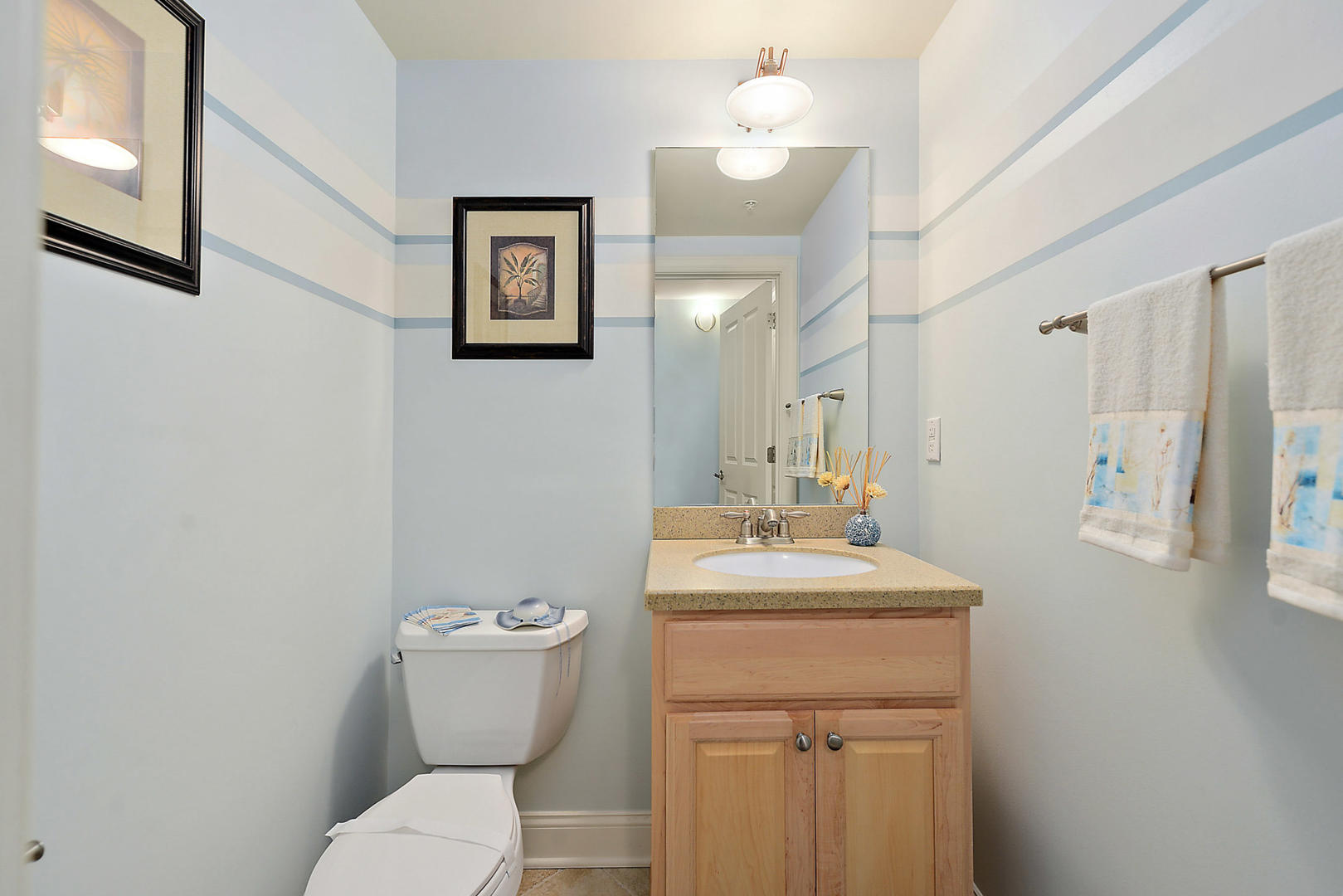 Rivendell 710 - Powder Room