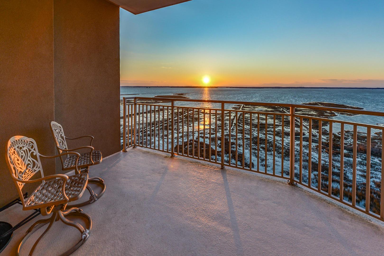Rivendell 710 - Bayfront Balcony