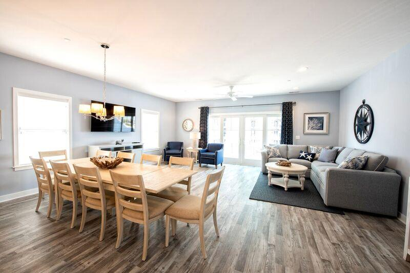 Southwinds - Living and Dining Area