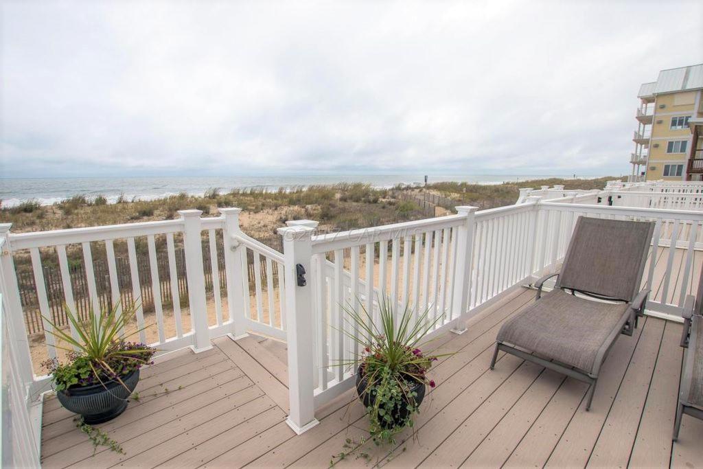 Pilot House, 5 - Ocean Front Balcony